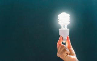 hand-holding-lightbulb